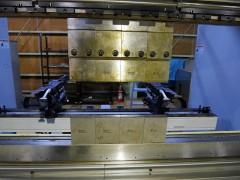 【Sold out】スリーポイント油圧式プレスブレーキ / 村田機械 / 3P-110-25 / 2008年式の写真07