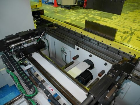【Sold out】スリーポイント油圧式プレスブレーキ / 村田機械 / 3P-110-25 / 2008年式の写真05