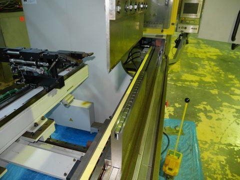 【Sold out】スリーポイント油圧式プレスブレーキ / 村田機械 / 3P-110-25 / 2008年式の写真04