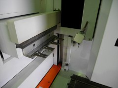 【Sold out】 形彫放電加工機/ROBOFORM35/シャルミー/2001年の写真06