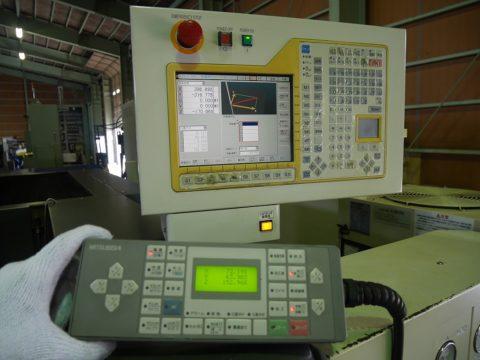 【Sold out】ワイヤー放電加工機/FA-30VM/三菱電機/2005年式の写真02