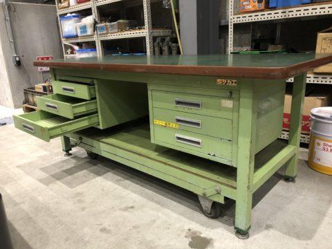 【Sold out】【完売】サカエ製 重量作業台 ペダル昇降移動式の写真04