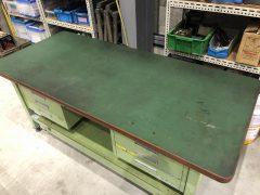 【Sold out】【完売】サカエ製 重量作業台 ペダル昇降移動式の写真02