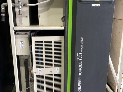 【中古機械案内】7.5kWスクリューコンプレッサー/日立/SRL-7.5DMA6/2013の写真03
